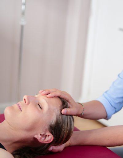 Behandlung des Kiefergelenks bei CMD